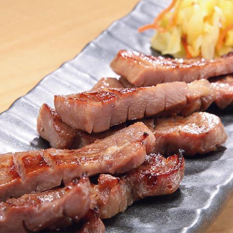 【仙台・陣中】仔牛の牛タン丸ごと一本塩麹熟成