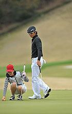 岡本夏生さんと石川選手