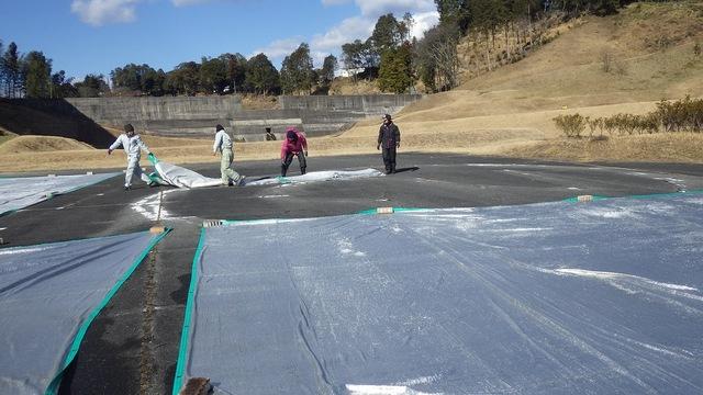 寒冷紗の天日干し・乾燥作業