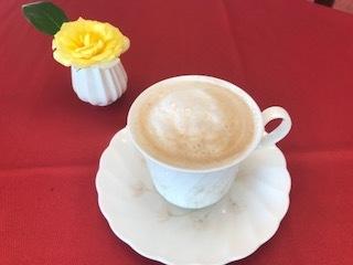 エスプレッソコーヒーをお楽しみください。