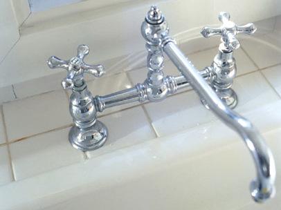 ツーバルブ型水栓