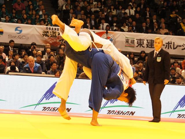 柔道グランドスラム東京2015 男子100kg級 準決勝 羽賀龍之介 vs E.GASIMOV