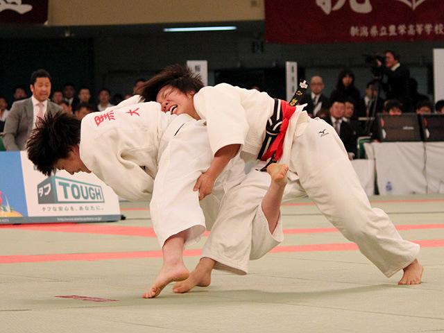 女子52kg級決勝 前田千島 vs 黒木七都美