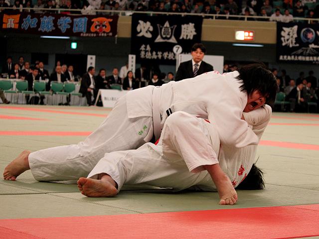 女子無差別級準決勝_荒谷莉佳子vs冨田若春