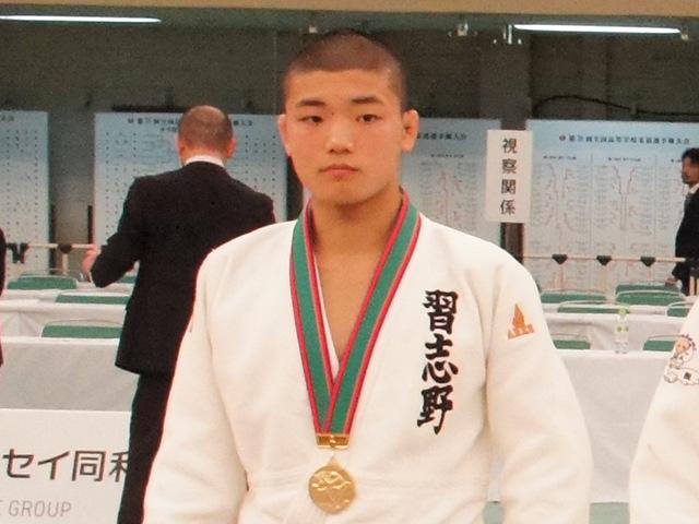 男子60kg級優勝 市川龍之介