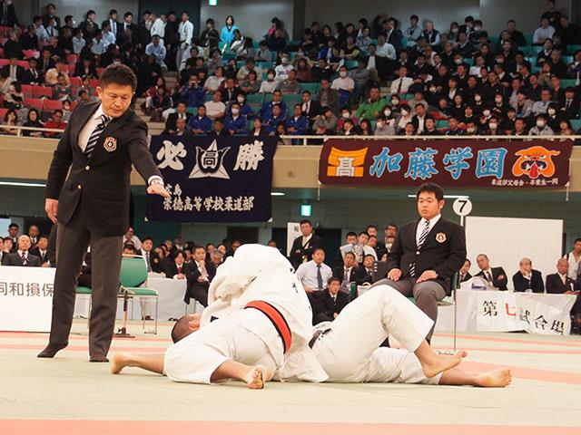男子73kg級決勝 渡邊神威vs朝比奈龍希�C