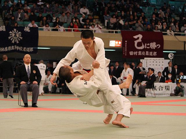 大牟田高校 vs 岡豊高校