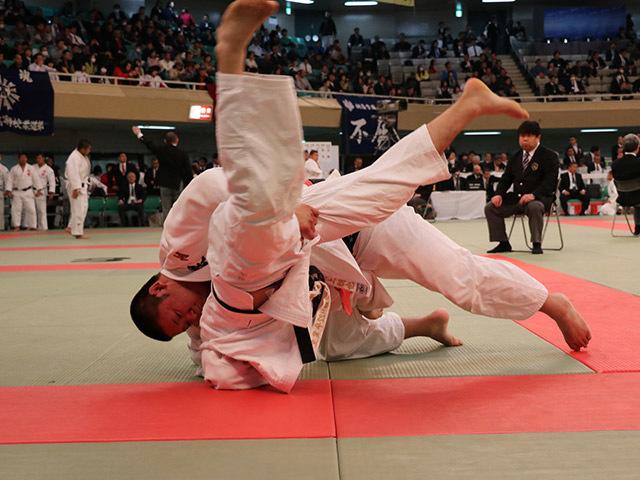 日本体育大学荏原高校 vs  高松商業高校