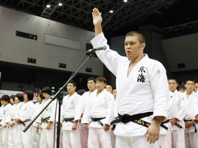 選手宣誓 東海大学付属浦安高校 ウルフ アロン選手