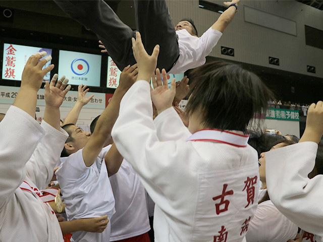 大会レポート「地元福岡の南筑高校が大会初優勝を飾る!」
