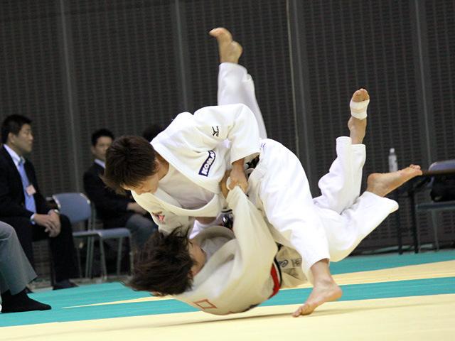 57kg級 宇高菜絵 vs 出口クリスタ
