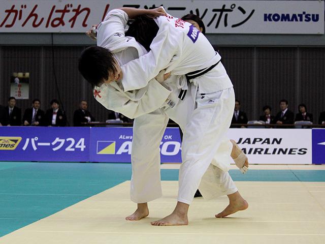 女子78kg級 決勝戦 梅木真美vs緒方亜香里�@