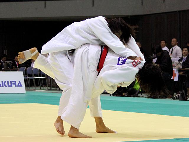 芳田司 vs 石川慈