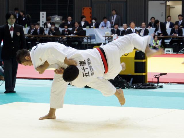 男子100kg超級 高橋和彦 vs 五十嵐唯大