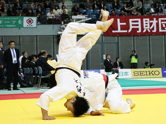 男子60kg級 志々目徹 vs 米村克麻