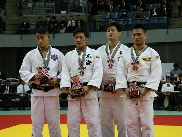 男子73kg級表彰式