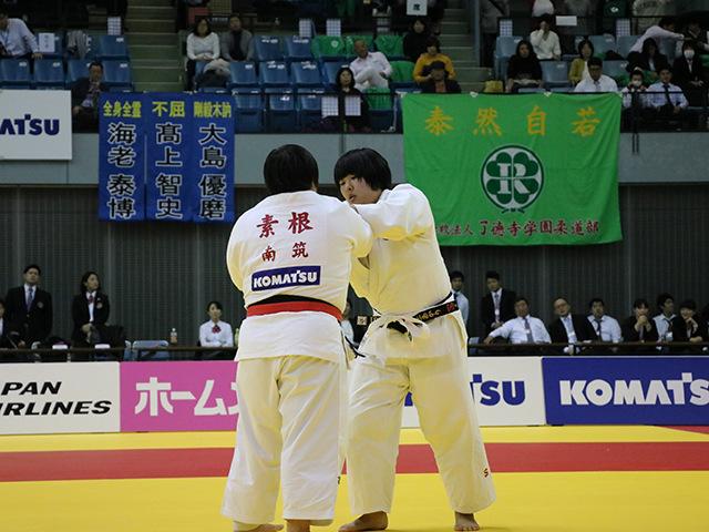 女子78kg超級 決勝戦 素根輝 vs 井上あかり�@