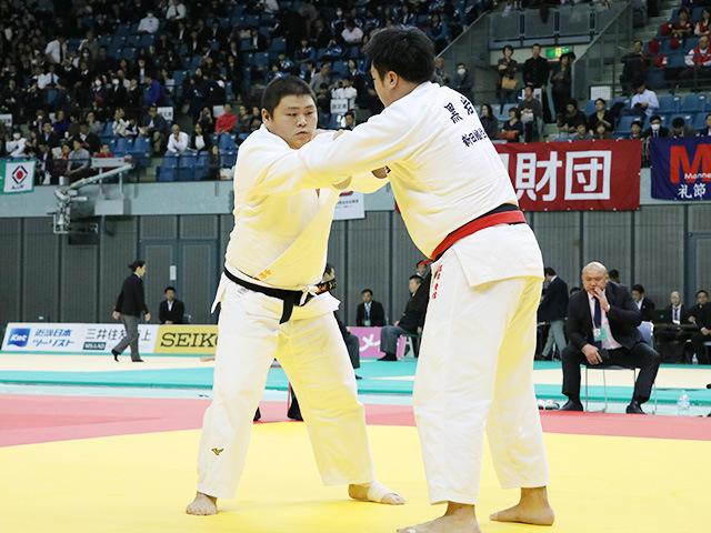 男子100kg超級 1回戦 黒岩貴信 vs 中野寛太