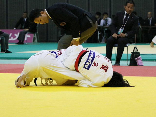 女子48kg級 準決勝戦 古賀若菜 vs 山�ア朱美