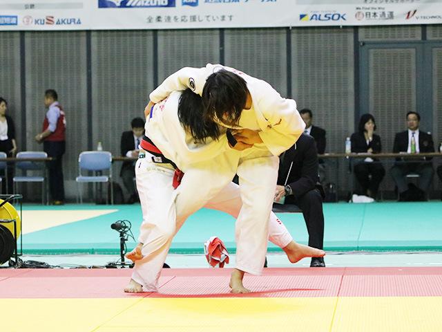 女子63kg級 飯野鈴々 vs 土井雅子