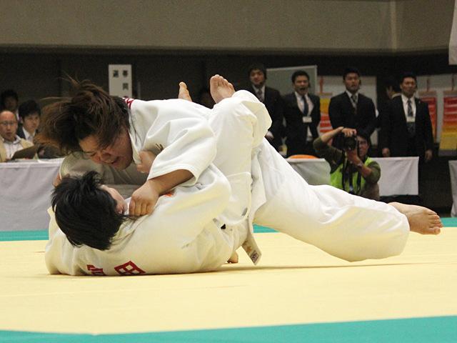 4回戦_冨田若菜vs田知本愛�B