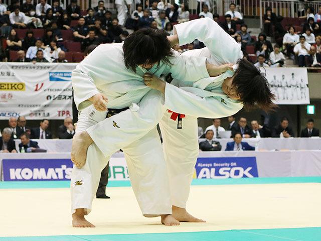 山部佳苗 vs 粂田晴乃