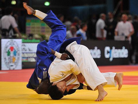 男子73kg級3回戦 中矢-M.カマラ
