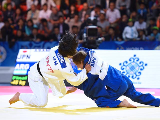 女子個人48kg級決勝 浅見 八瑠奈選手 vs P.PARETO選手�A