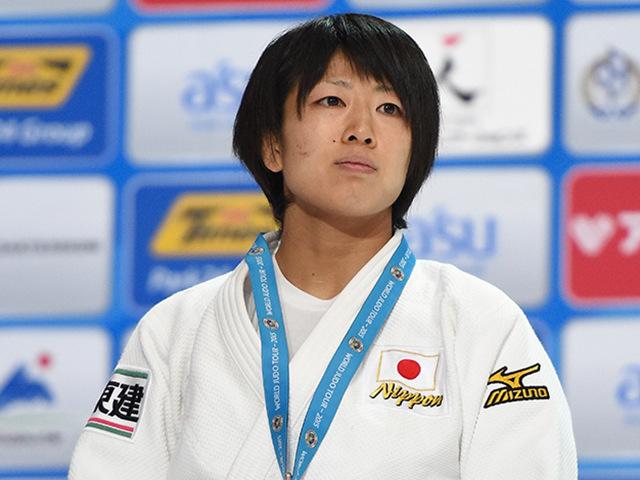 >女子個人48kg級表彰式 準優勝 浅見 八瑠奈選手