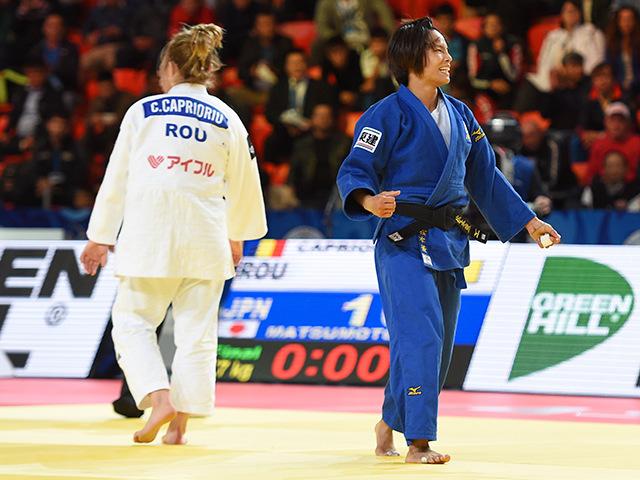 女子57kg級 決勝 松本薫 vs C.CAPRIORIU