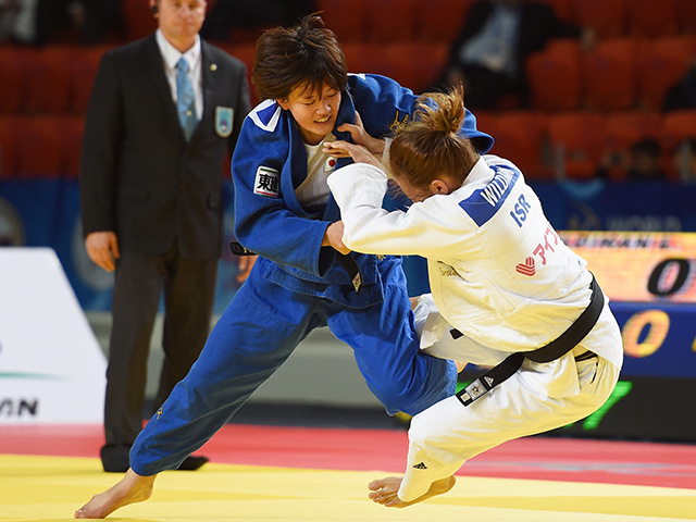 女子70kg級 準々決勝 新井千鶴 vs L.WILDIKAN