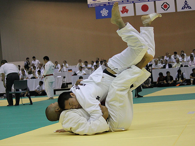 81kg級 岡田友徳 vs 折原虹之介