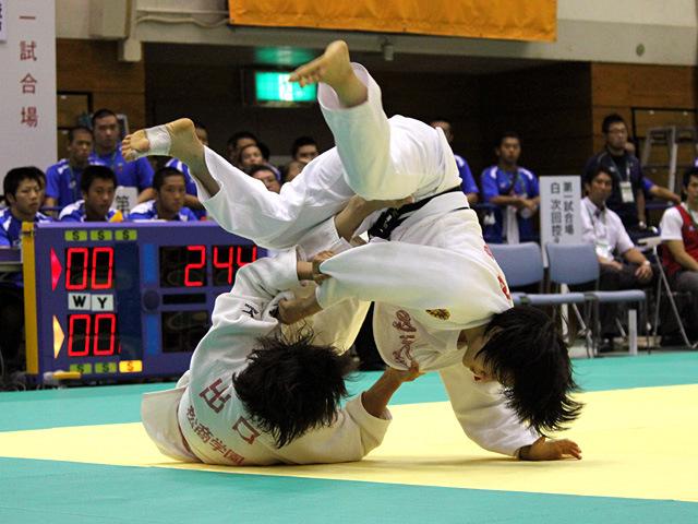 57kg級 芳田司 vs 出口クリスタ