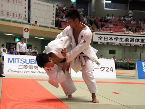 男子60kg級準決勝 木戸慎二−澤田涼�A