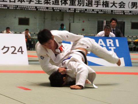 男子66kg級準決勝 ��上智史−徳田槙之介�A
