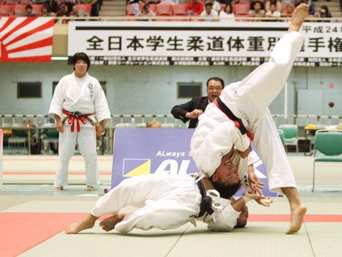 男子73kg級準決勝 太田慶一−大野将平�C
