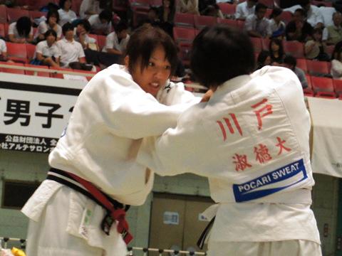 女子70kg級準決勝 ヌンイラ華蓮−川戸郁香�@