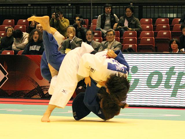女子63kg級準決勝 阿部香菜vsD.JOUNG