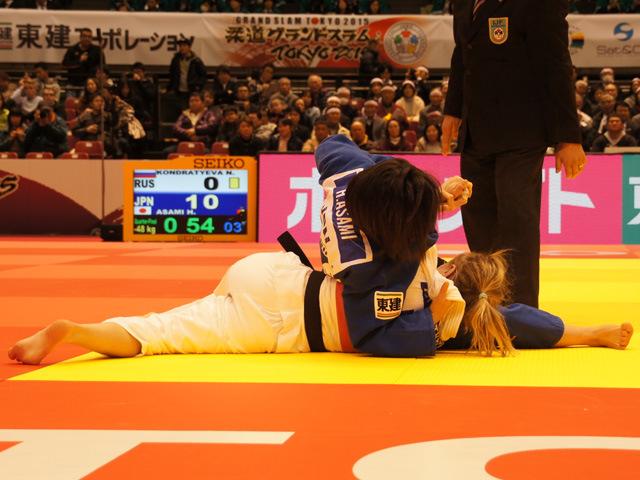 女子48kg級 準々決勝 浅見八瑠奈 vs N.KONDRATYEVA�A