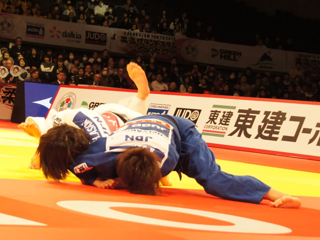 女子48kg級 決勝 近藤亜美 vs 浅見八瑠奈�@