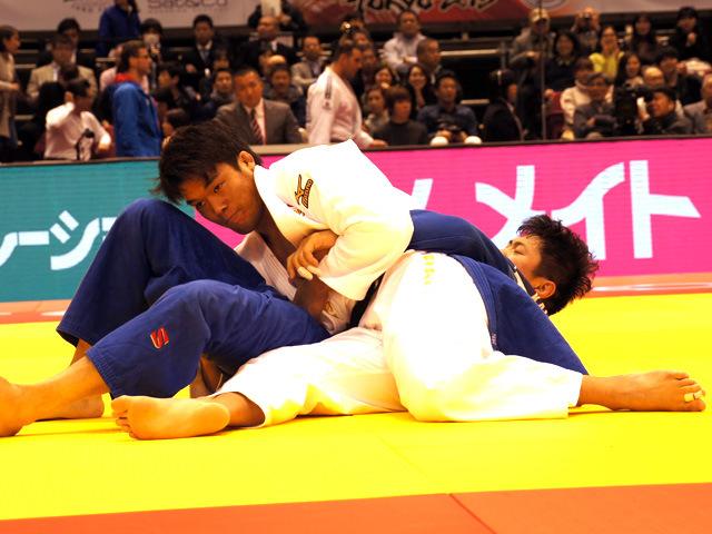 100kg級 羽賀龍之介 vs K.HU