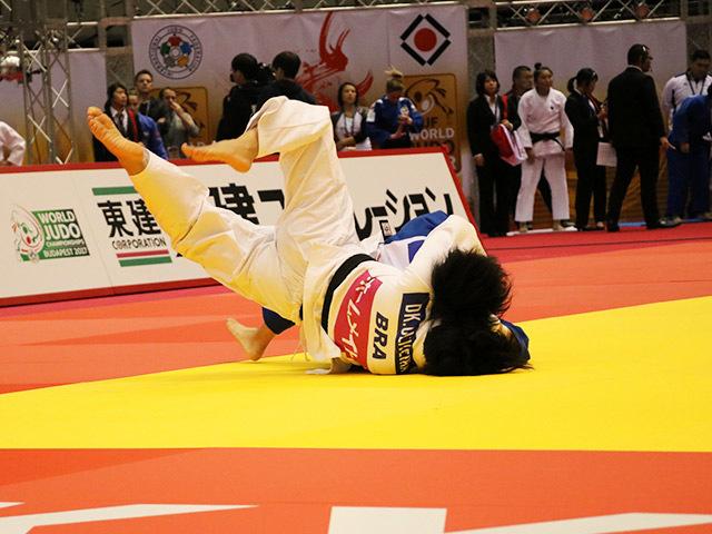 63kg級 荒木穂乃佳 vs D.OLIVEIRA