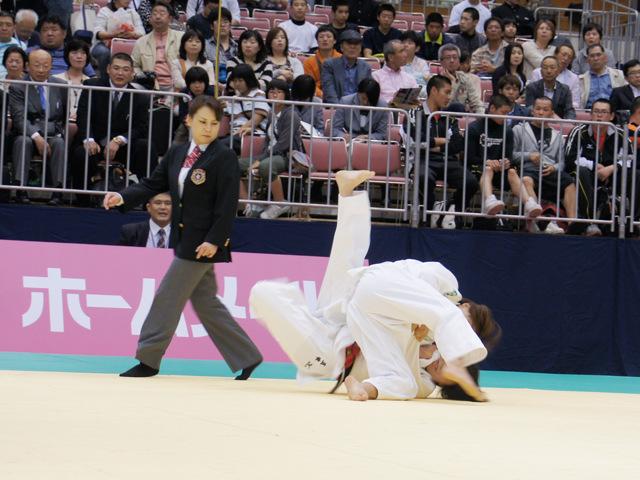 女子52kg級 準決勝  西田優香−五味奈津実�A