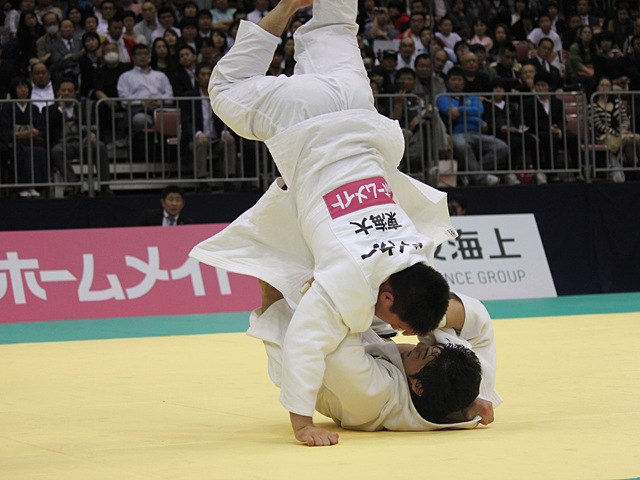 男子90kg級決勝戦_ベイカー茉秋vs吉田優也�D