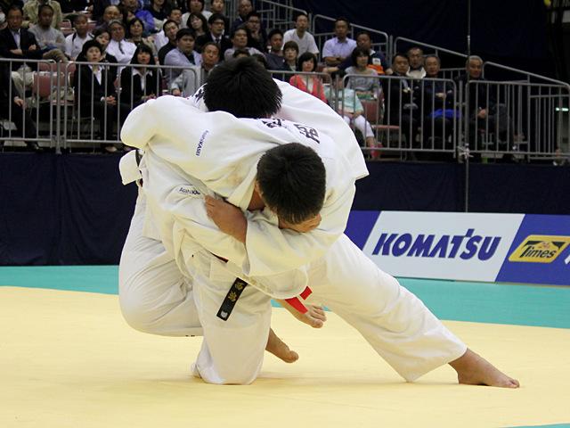 男子100kg超級決勝戦_西潟健太vs王子谷剛志�B