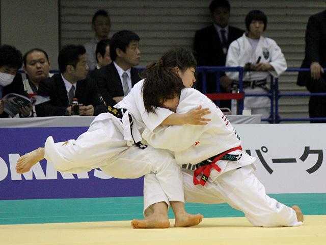 女子48kg級1回戦_近藤亜美vs蓬田智佳