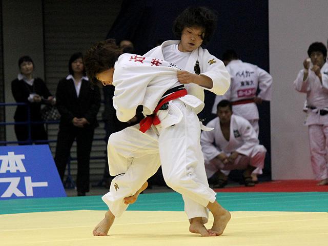 女子48kg級準決勝戦_近藤亜美vs森崎由理江