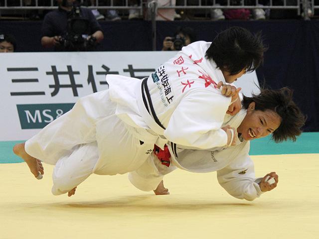 女子57kg級決勝戦_松本薫vs山本杏�E