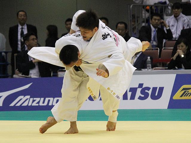 66kg級 海老沼匡 vs 堅山将�@