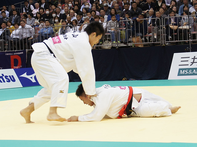 男子90kg級決勝戦 ベイカー茉秋vs西山大希�C